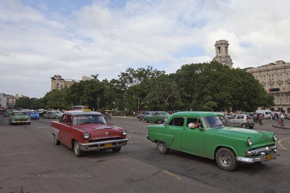 Küba, Havana, Eski Amerikan arabaları - hakkiceylan.com